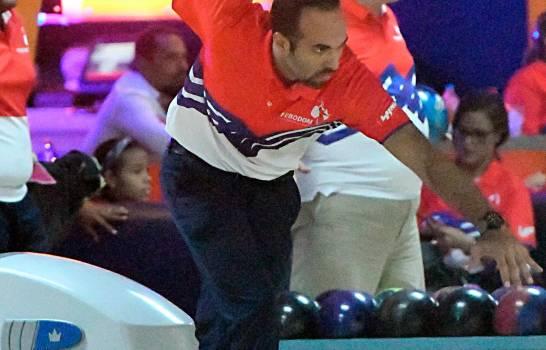 Alex Prats tira un 300 en torneo de boliche dedicado a su padre Frank Prats